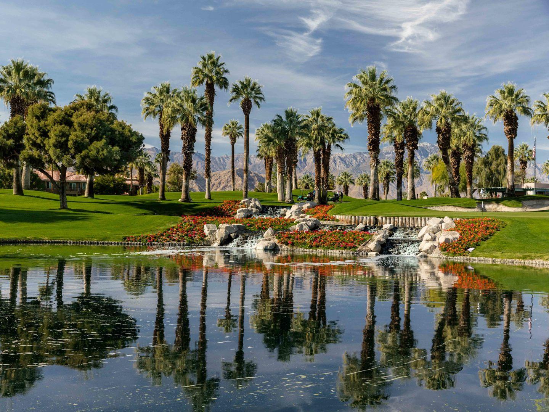 Marriott's Desert Springs Villas Golf Course Water Feature, Desert View. Marriott's Desert Springs Villas is located in Palm Desert, California United States.