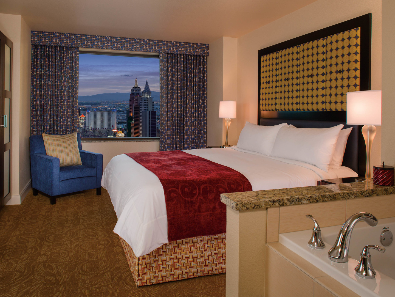 Marriott's Grand Chateau<span class='trademark'>®</span> 2-Bedroom/Master Bedroom (Tower 3). Marriott's Grand Chateau<span class='trademark'>®</span> is located in Las Vegas, Nevada United States.