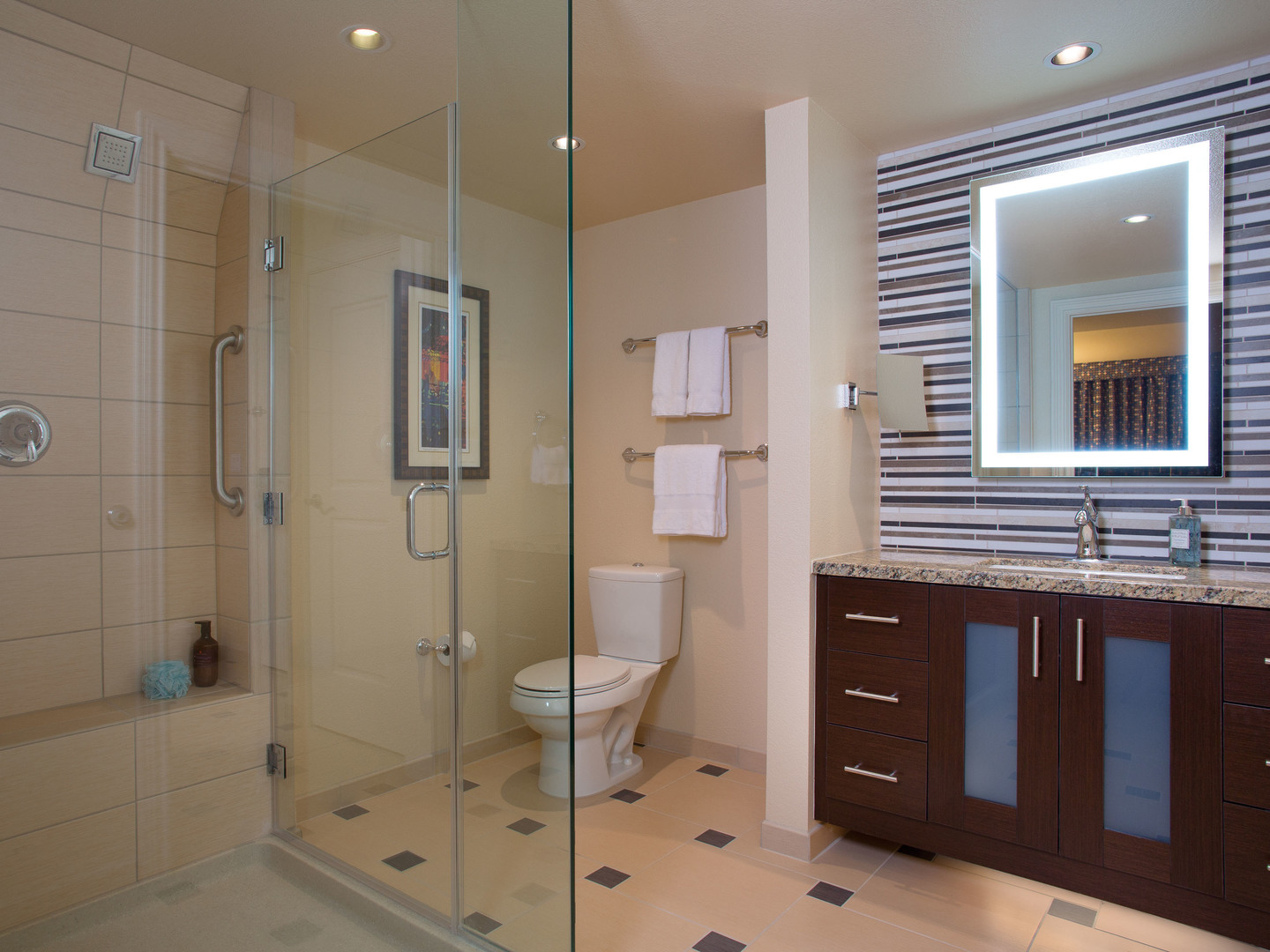 Marriott's Grand Chateau<span class='trademark'>®</span> Master Bathroom (Tower 3). Marriott's Grand Chateau<span class='trademark'>®</span> is located in Las Vegas, Nevada United States.