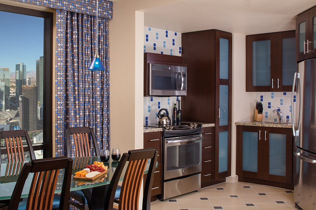 Marriott's Grand Chateau<span class='trademark'>®</span> 2-Bedroom/Kitchen/Dining Room (Tower 1). Marriott's Grand Chateau<span class='trademark'>®</span> is located in Las Vegas, Nevada United States.