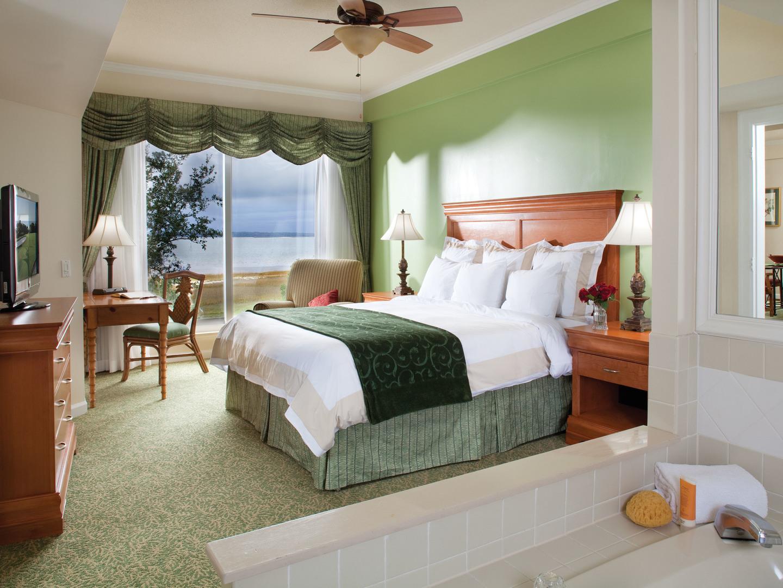 Marriott's Harbour Club Villa Master Bedroom. Marriott's Harbour Club is located in Hilton Head Island, South Carolina United States.