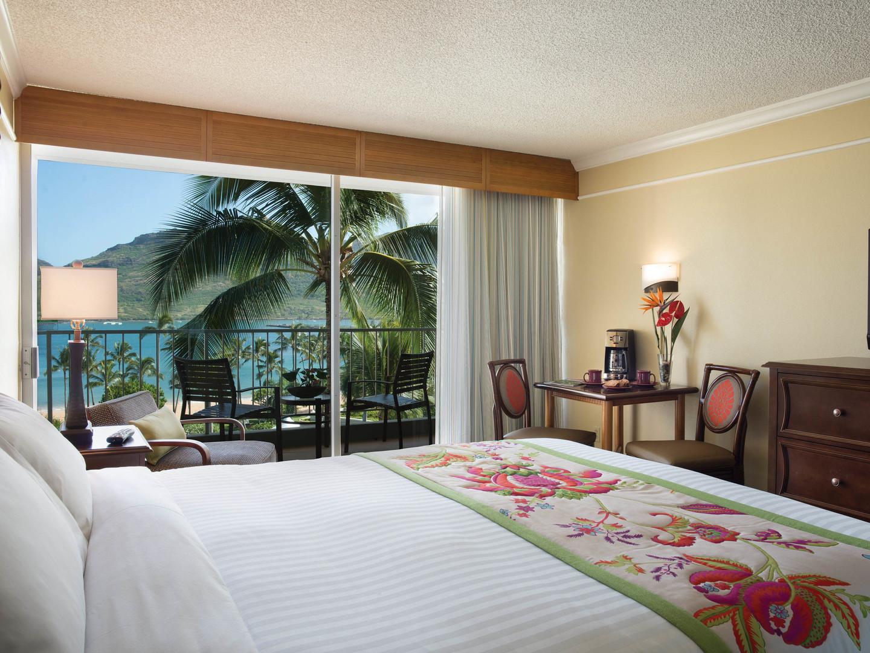 Marriott's Kaua'i Beach Club Villa Master Bedroom. Marriott's Kaua'i Beach Club is located in Līhuʻe, Kaua'i, Hawai'i United States.