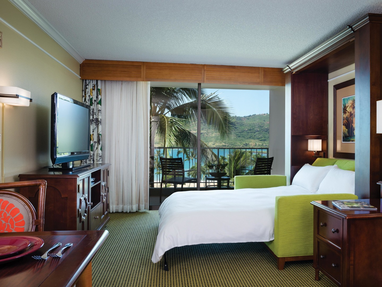 Marriott's Kaua'i Beach Club Villa Living Room/Murphy Bed. Marriott's Kaua'i Beach Club is located in Līhuʻe, Kaua'i, Hawai'i United States.