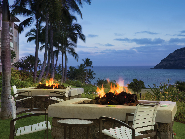 Marriott's Kaua'i Lagoons – Kalanipu'u Fire Pits/Sunset Water View. Marriott's Kaua'i Lagoons – Kalanipu'u is located in Līhuʻe, Kaua'i, Hawai'i United States.