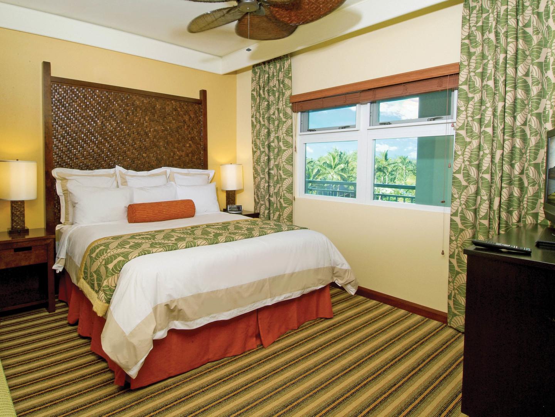 Marriott's Kaua'i Lagoons – Kalanipu'u Villa Guest Bedroom. Marriott's Kaua'i Lagoons – Kalanipu'u is located in Līhuʻe, Kaua'i, Hawai'i United States.
