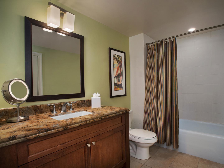 Marriott's Lakeshore Reserve Villa Guest Bathroom. Marriott's Lakeshore Reserve is located in Orlando, Florida United States.