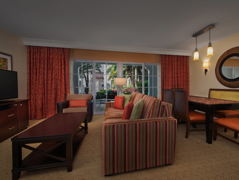 Marriott's Lakeshore Reserve 2-Bedroom Villa Living Room/Dining Room. Marriott's Lakeshore Reserve is located in Orlando, Florida United States.