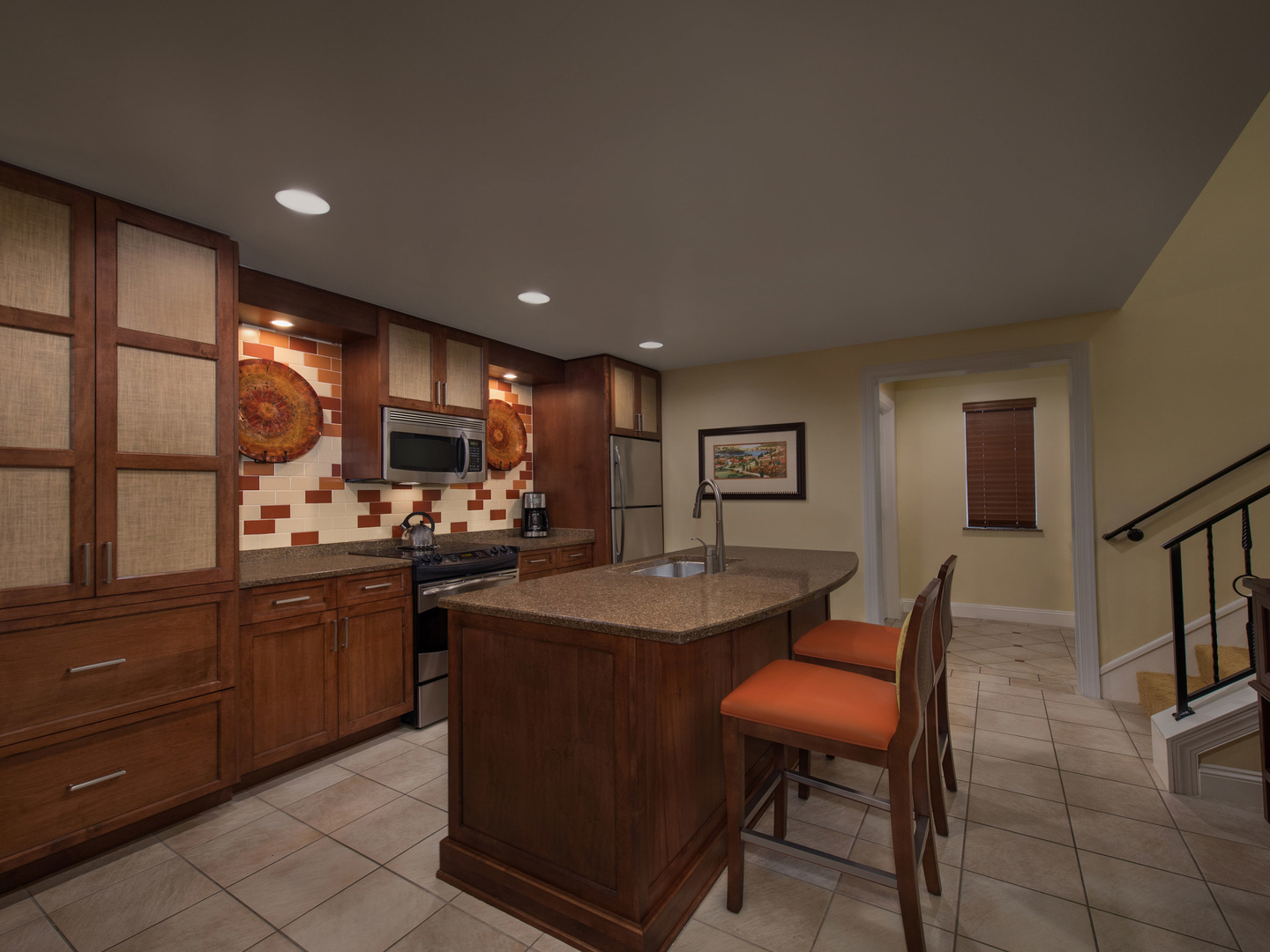 Marriott's Lakeshore Reserve 2-Bedroom Townhouse Kitchen/Dining Room. Marriott's Lakeshore Reserve is located in Orlando, Florida United States.