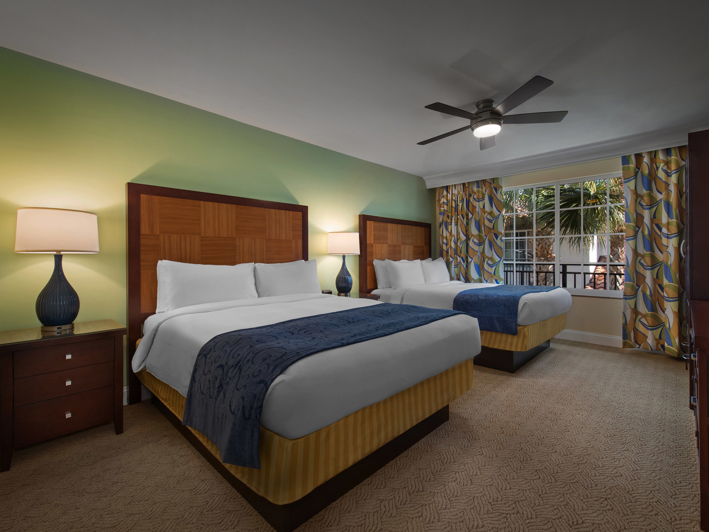 Marriott's Lakeshore Reserve 2-Bedroom Townhouse Guest Bedroom. Marriott's Lakeshore Reserve is located in Orlando, Florida United States.