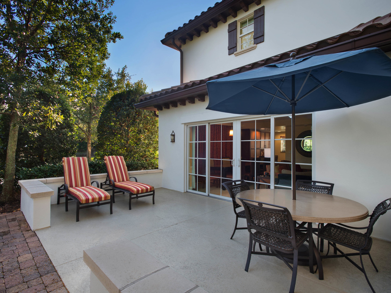 Marriott's Lakeshore Reserve 3-Bedroom Townhouse Patio. Marriott's Lakeshore Reserve is located in Orlando, Florida United States.