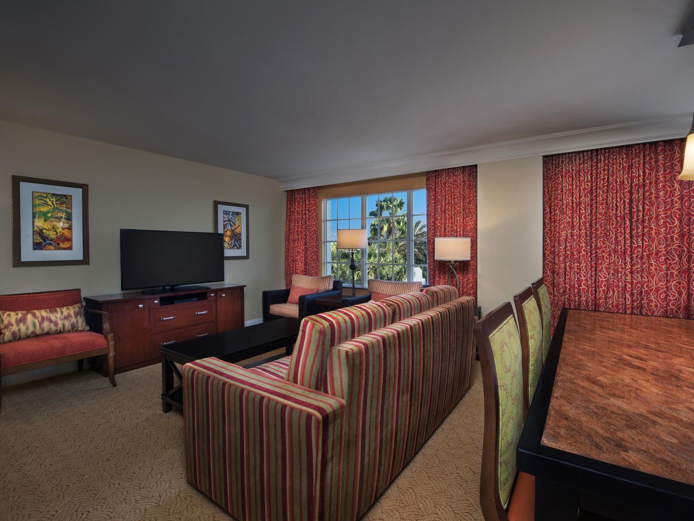 Marriott's Lakeshore Reserve Villa Living Room/Dining Room. Marriott's Lakeshore Reserve is located in Orlando, Florida United States.