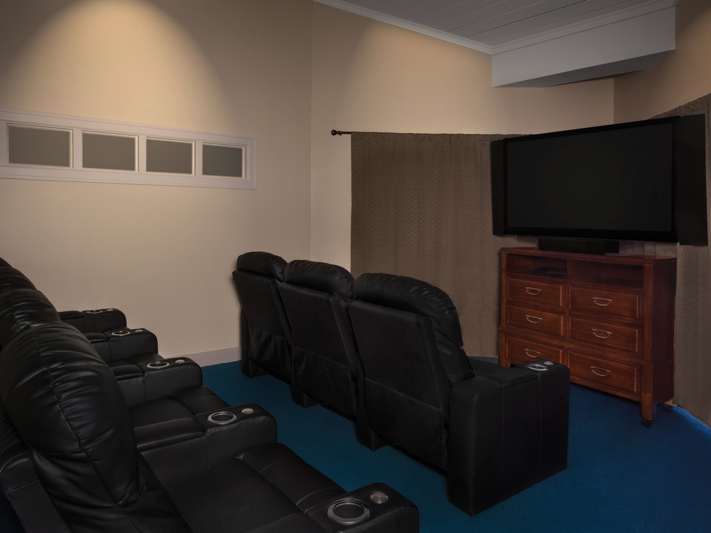 Marriott's Legends Edge at Bay Point Theater Room. Marriott's Legends Edge at Bay Point is located in Panama City, Florida United States.