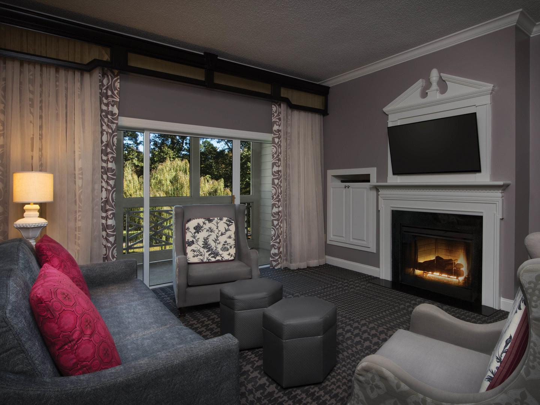 Marriott's Manor Club 2-Bedroom Villa Living Room. Marriott's Manor Club is located in Williamsburg, Virginia United States.