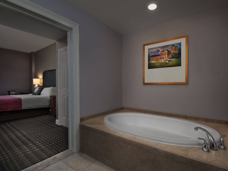 Marriott's Manor Club 2-Bedroom Villa Master Bathroom. Marriott's Manor Club is located in Williamsburg, Virginia United States.