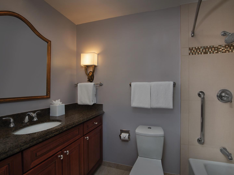 Marriott's Manor Club 2-Bedroom Villa Guest Bathroom. Marriott's Manor Club is located in Williamsburg, Virginia United States.