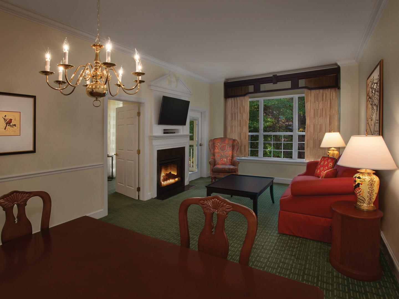Marriott's Manor Club 1-Bedroom Villa Living Room/Dining Room. Marriott's Manor Club is located in Williamsburg, Virginia United States.