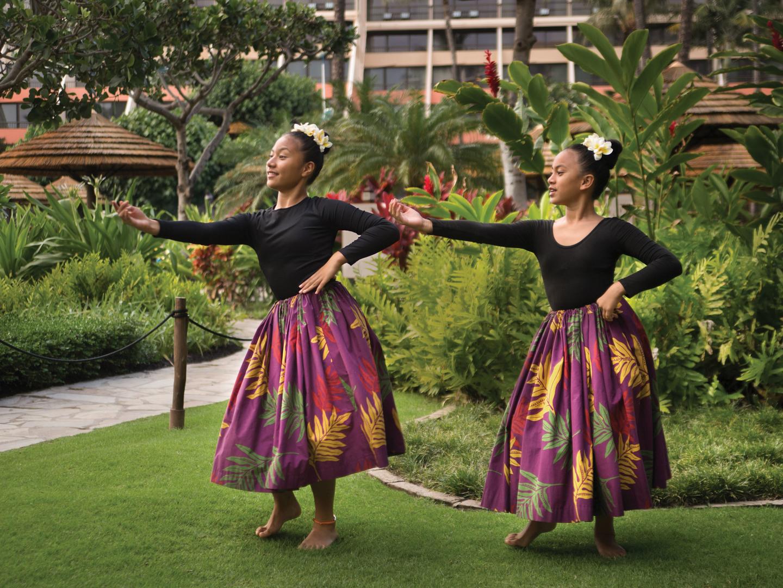 Marriott's Maui Ocean Club - Molokai, Maui, and Lanai Towers Hula Lessons. Marriott's Maui Ocean Club - Molokai, Maui, and Lanai Towers is located in Lāhainā, Maui, Hawai'i United States.