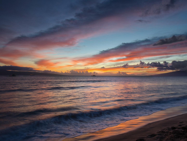Marriott's Maui Ocean Club - Molokai, Maui, and Lanai Towers Beach. Marriott's Maui Ocean Club - Molokai, Maui, and Lanai Towers is located in Lāhainā, Maui, Hawai'i United States.