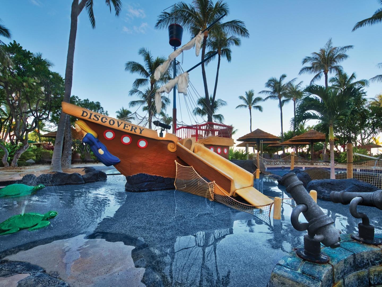 Marriott's Maui Ocean Club - Molokai, Maui, and Lanai Towers Discovery Cove. Marriott's Maui Ocean Club - Molokai, Maui, and Lanai Towers is located in Lāhainā, Maui, Hawai'i United States.