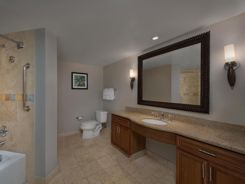 Marriott's Maui Ocean Club - Molokai, Maui, and Lanai Towers Villa Guest Bathroom. Marriott's Maui Ocean Club - Molokai, Maui, and Lanai Towers is located in Lāhainā, Maui, Hawai'i United States.