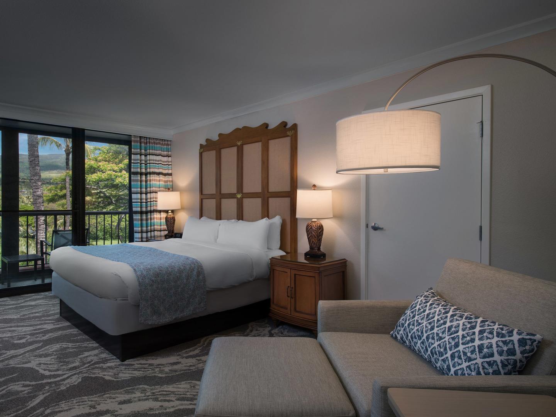 Marriott's Maui Ocean Club - Molokai, Maui, and Lanai Towers Villa Guest Bedroom. Marriott's Maui Ocean Club - Molokai, Maui, and Lanai Towers is located in Lāhainā, Maui, Hawai'i United States.