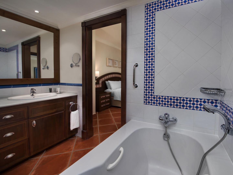 Marriott's Playa Andaluza Villa Master Bathroom. Marriott's Playa Andaluza is located in Estepona, Malaga Spain.