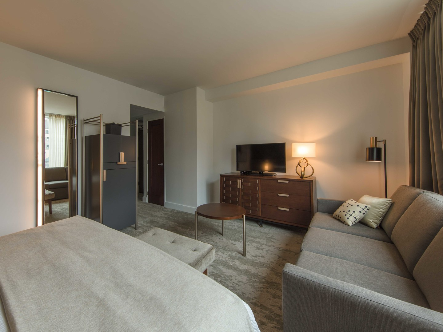 Marriott Vacation Club Pulse<span class='trademark'>®</span>, New York City Deluxe King Guestroom. Marriott Vacation Club Pulse<span class='trademark'>®</span>, New York City is located in New York City, New York United States.