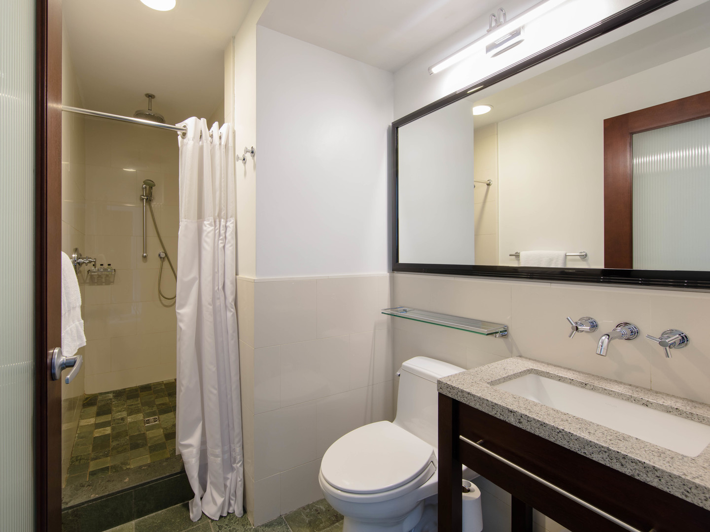 Marriott Vacation Club Pulse<span class='trademark'>®</span>, New York City Deluxe King Guest Bathroom. Marriott Vacation Club Pulse<span class='trademark'>®</span>, New York City is located in New York City, New York United States.