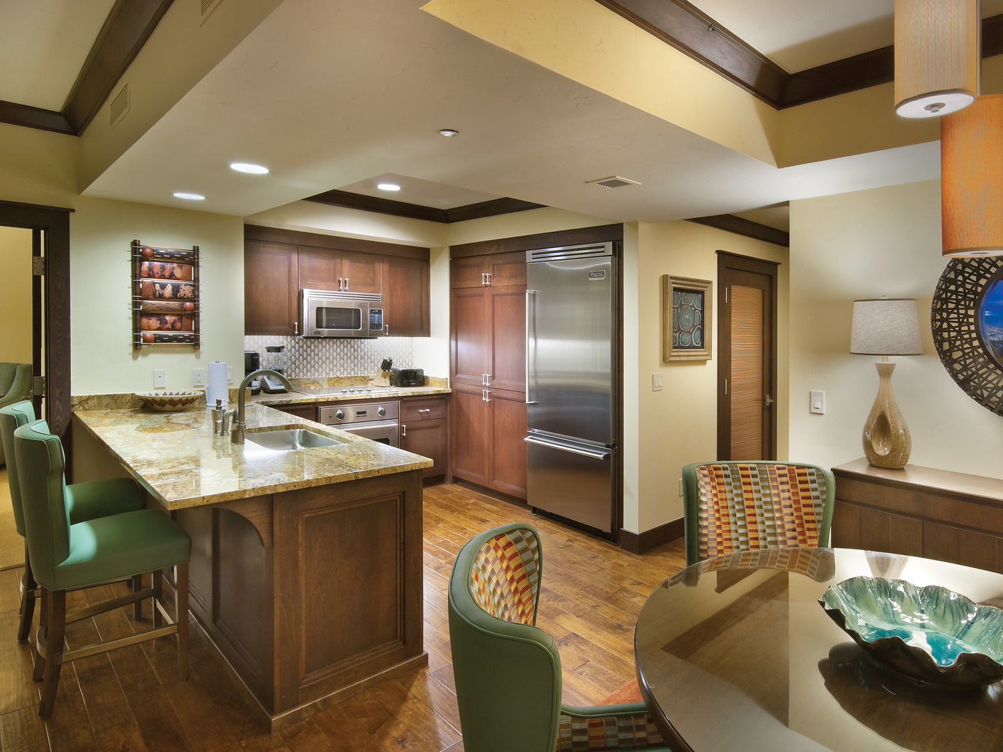 The Ritz-Carlton Club<span class='trademark'>®</span>, Lake Tahoe Residence Dining Room/Kitchen. The Ritz-Carlton Club<span class='trademark'>®</span>, Lake Tahoe is located in Truckee, California United States.