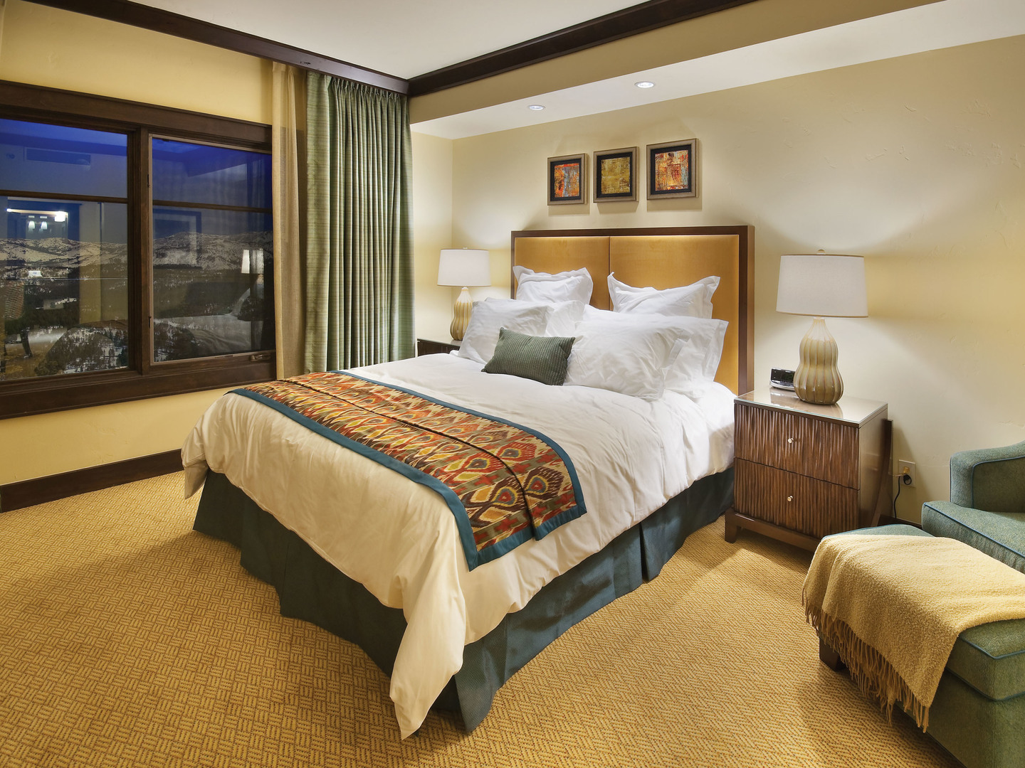 The Ritz-Carlton Club<span class='trademark'>®</span>, Lake Tahoe Residence Master Bedroom. The Ritz-Carlton Club<span class='trademark'>®</span>, Lake Tahoe is located in Truckee, California United States.