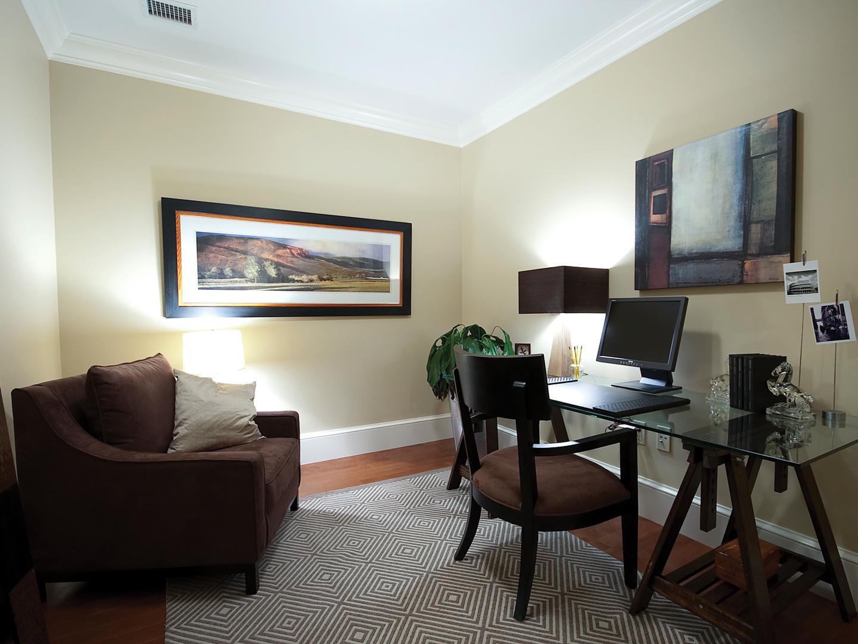 The Ritz-Carlton Club<span class='trademark'>®</span>, San Francisco Residence Desk. The Ritz-Carlton Club<span class='trademark'>®</span>, San Francisco is located in San Francisco, California United States.