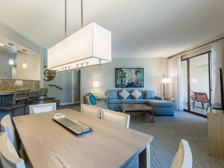 Marriott's Sabal Palms 2-Bedroom Villa Living Room/Dining Room. Marriott's Sabal Palms is located in Orlando, Florida United States.