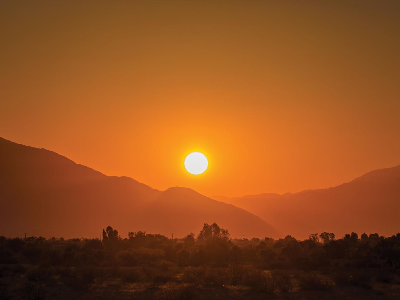 Marriott's Shadow Ridge Desert Sunset. Marriott's Shadow Ridge is located in Palm Desert, California United States.