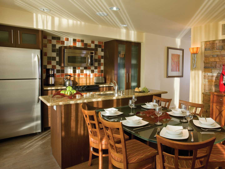 Marriott's Shadow Ridge Villa Kitchen (The Villages). Marriott's Shadow Ridge is located in Palm Desert, California United States.