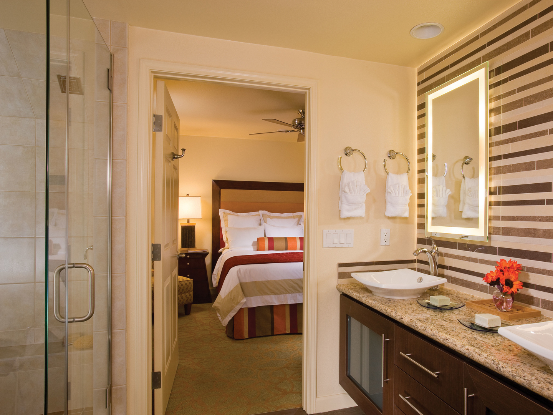 Marriott's Shadow Ridge Villa Master Bathroom (The Villages). Marriott's Shadow Ridge is located in Palm Desert, California United States.