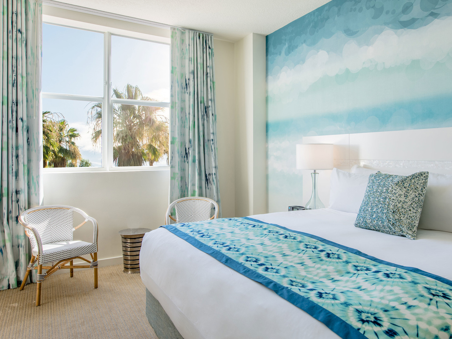 Marriott Vacation Club Pulse<span class='trademark'>®</span>, South Beach Guestroom. Marriott Vacation Club Pulse<span class='trademark'>®</span>, South Beach is located in Miami Beach, Florida United States.