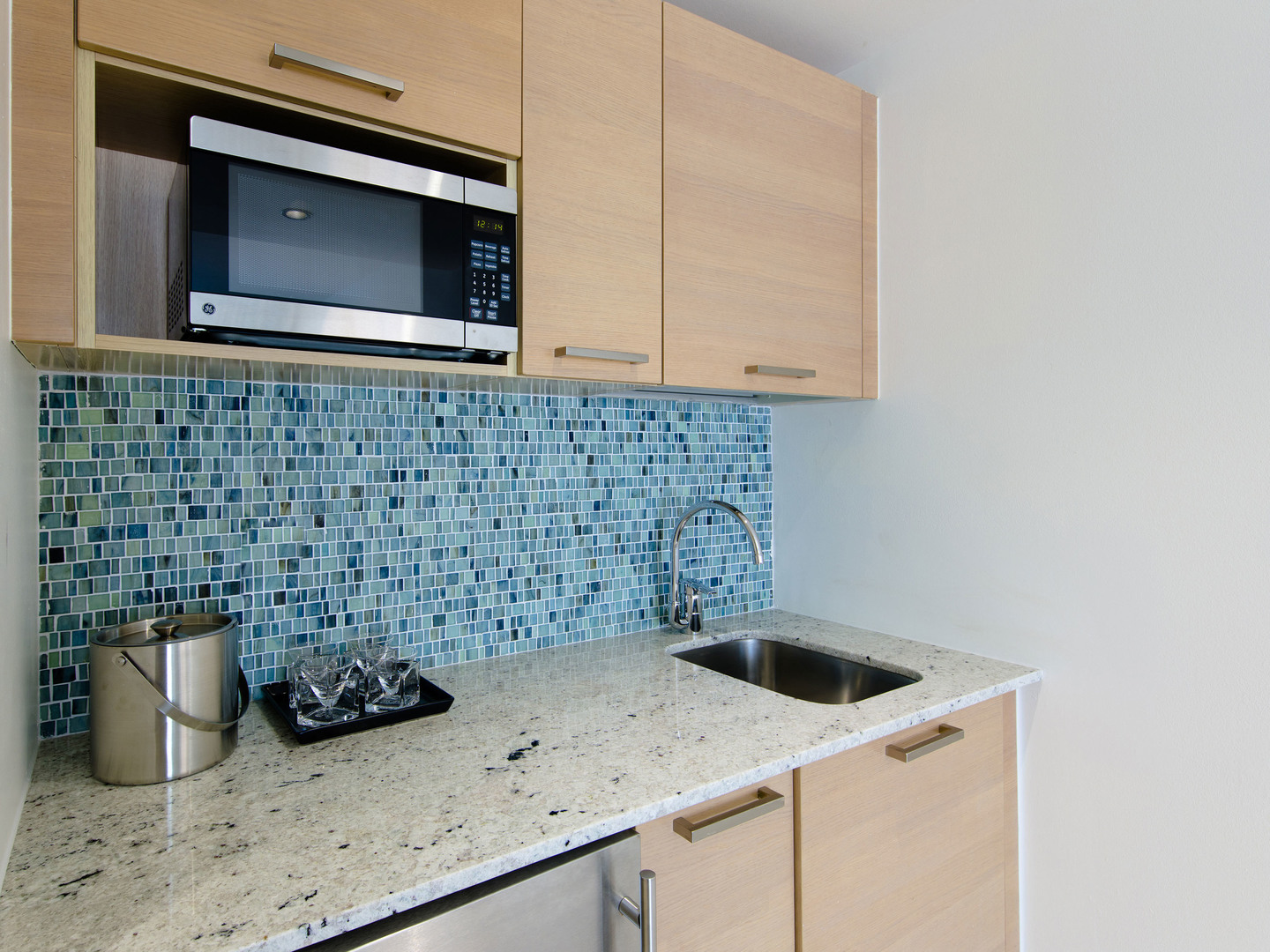 Marriott Vacation Club Pulse<span class='trademark'>®</span>, South Beach Studio Kitchen. Marriott Vacation Club Pulse<span class='trademark'>®</span>, South Beach is located in Miami Beach, Florida United States.