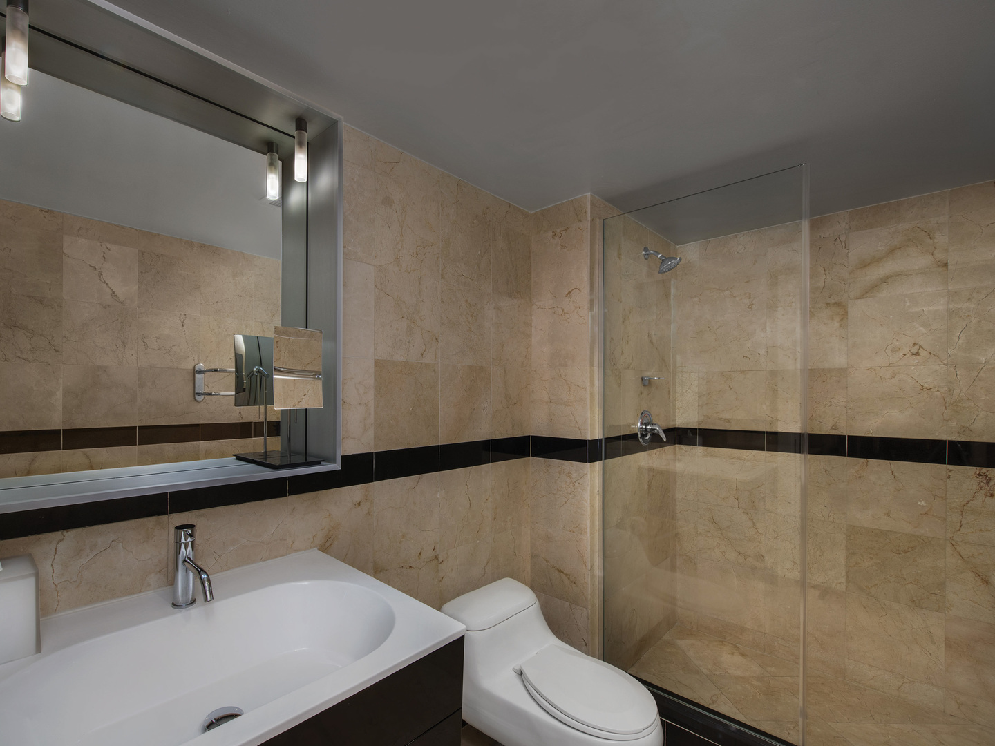 Marriott Vacation Club Pulse<span class='trademark'>®</span>, South Beach 2-Bedroom Suite Master bath. Marriott Vacation Club Pulse<span class='trademark'>®</span>, South Beach is located in Miami Beach, Florida United States.