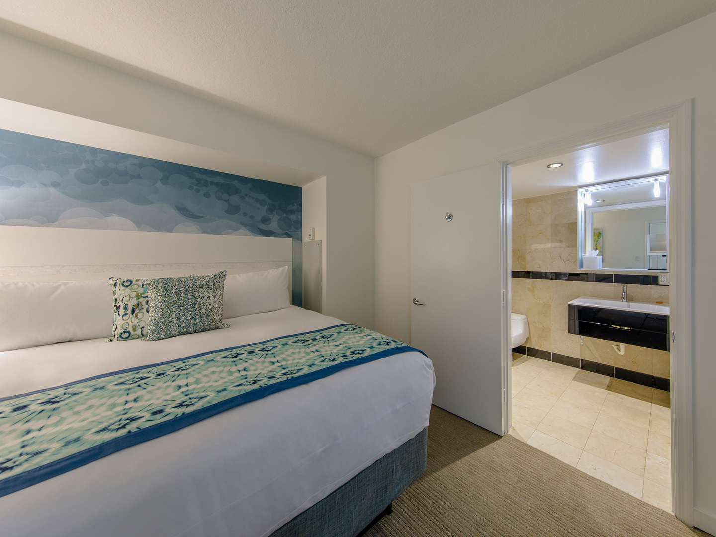 Marriott Vacation Club Pulse<span class='trademark'>®</span>, South Beach Studio Suite 1-Bedroom. Marriott Vacation Club Pulse<span class='trademark'>®</span>, South Beach is located in Miami Beach, Florida United States.
