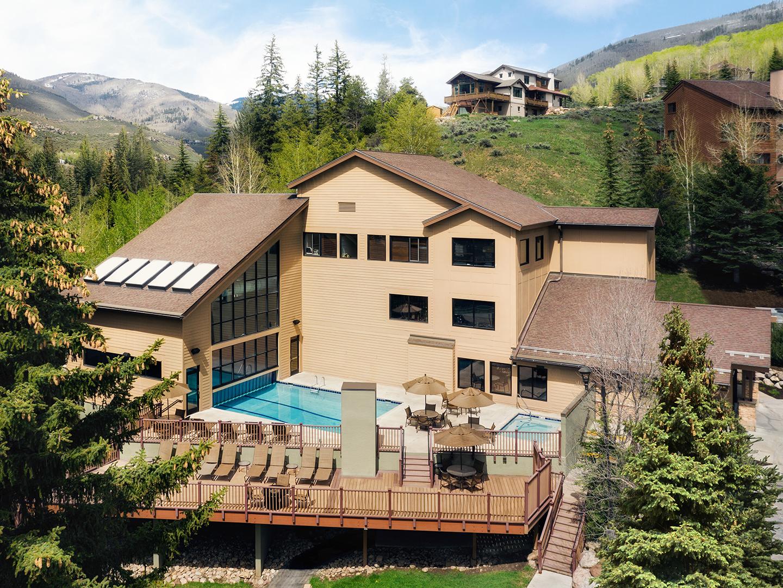 Marriott's StreamSide - Birch Resort Exterior, Main Building. Marriott's StreamSide - Birch is located in Vail, Colorado United States.