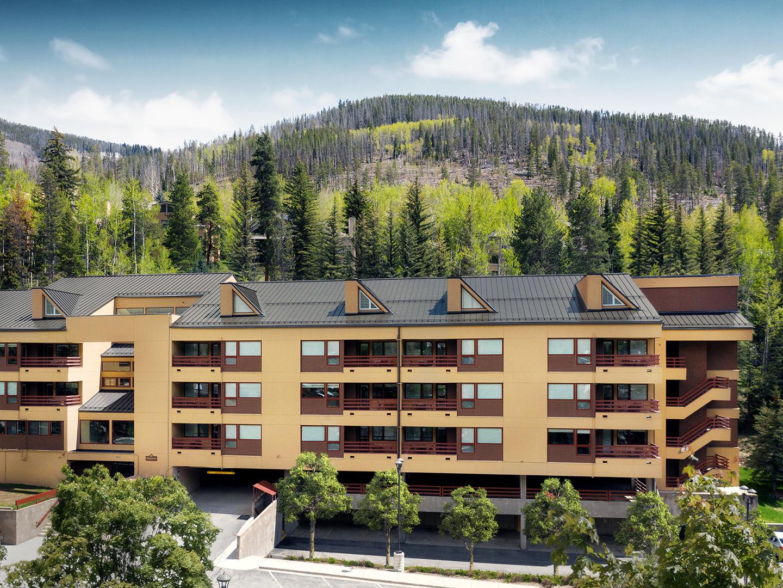 Marriott's StreamSide - Birch Resort Exterior, Douglas. Marriott's StreamSide - Birch is located in Vail, Colorado United States.