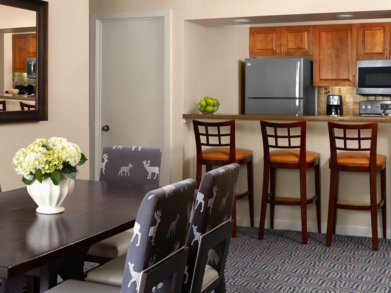 Marriott's StreamSide - Birch 1 & 2 Bedroom Loft Villa/Dining Room/Kitchen, Douglas. Marriott's StreamSide - Birch is located in Vail, Colorado United States.