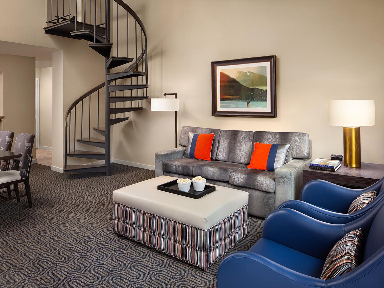Marriott's StreamSide - Birch 1 & 2 Bedroom Loft Villa/Living & Dining Areas. Marriott's StreamSide - Birch is located in Vail, Colorado United States.