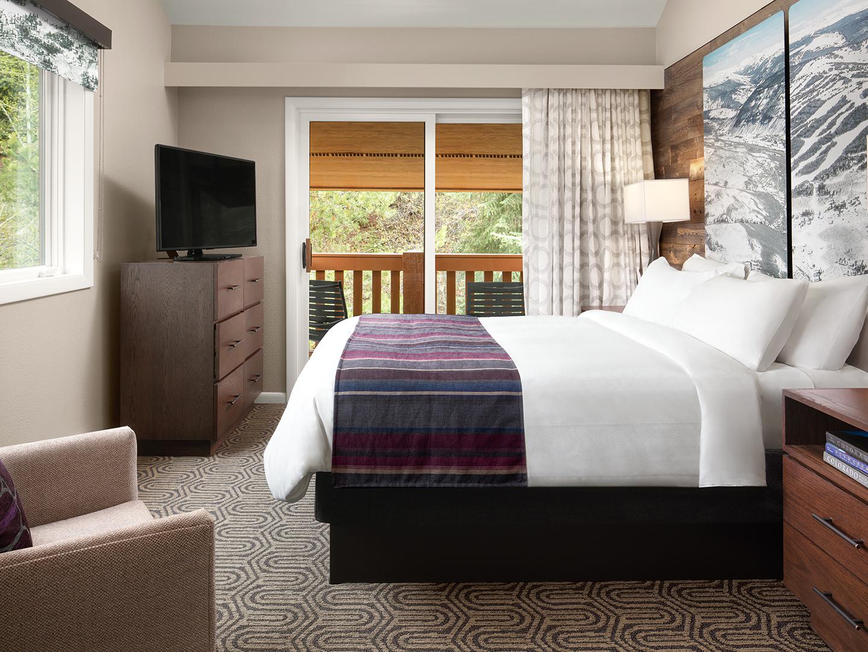 Marriott's StreamSide - Birch 1-Bedroom/2-Bath Villa Guestroom, Birch. Marriott's StreamSide - Birch is located in Vail, Colorado United States.