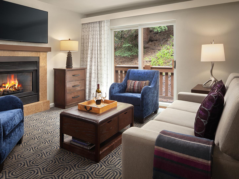 Marriott's StreamSide - Birch 2-Bedroom/2-Bath Living Room, Birch. Marriott's StreamSide - Birch is located in Vail, Colorado United States.