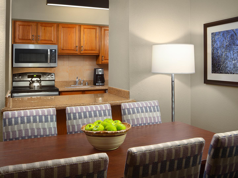 Marriott's StreamSide - Birch 2-Bedroom/2-Bath Kitchen & Dining Room, Birch. Marriott's StreamSide - Birch is located in Vail, Colorado United States.