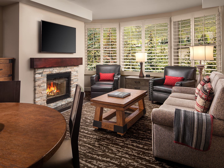 Marriott's StreamSide - Birch 2-Bedroom/2 Bath Living Room, Evergreen. Marriott's StreamSide - Birch is located in Vail, Colorado United States.
