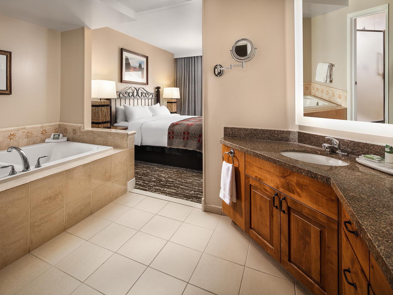 Marriott's StreamSide - Birch 2-Bedroom/2 Bath Villa Master Bathroom, Evergreen. Marriott's StreamSide - Birch is located in Vail, Colorado United States.