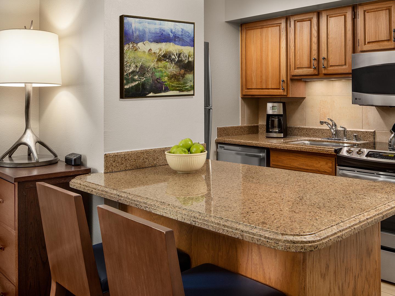 Marriott's StreamSide - Birch 1-Bedroom Kitchen & Dining Area, Birch. Marriott's StreamSide - Birch is located in Vail, Colorado United States.