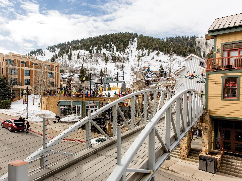 Marriott's Summit Watch Summit Watch Bridge to Town Lift. Marriott's Summit Watch is located in Park City, Utah United States.